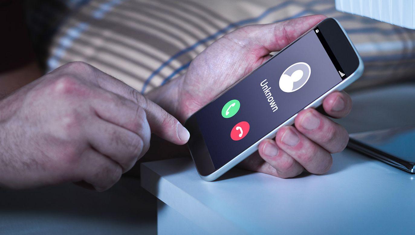 wyłudzenie, oszust, dane osobowe, fałszywe numery, abonament